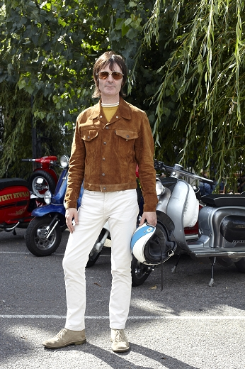 04 desert boots with white jeans