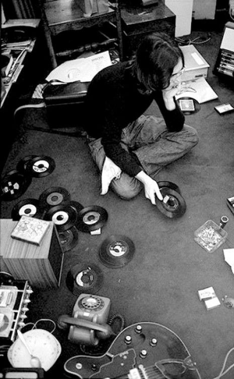 26 mod shoes john lennon playing records