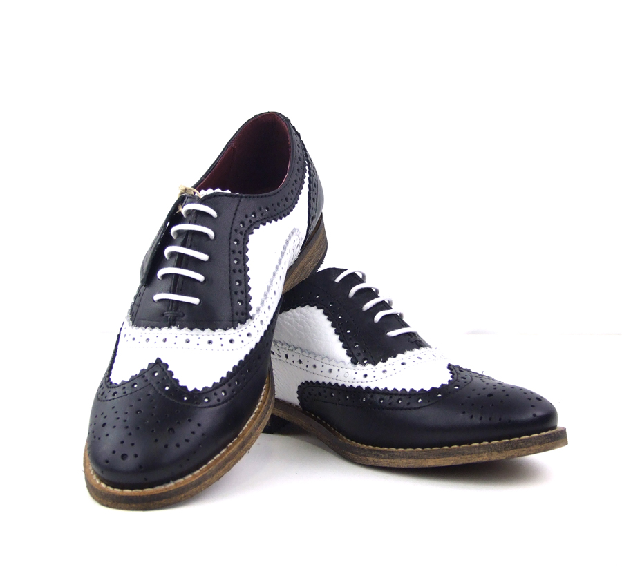 Ladies Black And White Leather Shoes