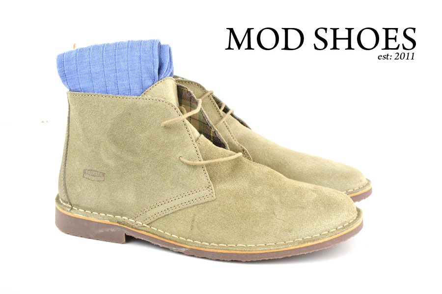 Mod Shoe Stone Desert Boots With Light Blue Socks