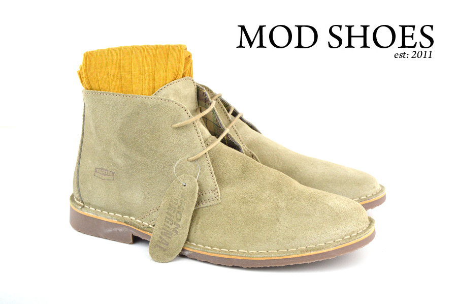 Mod Shoe Stone Desert Boots With Mustard Socks