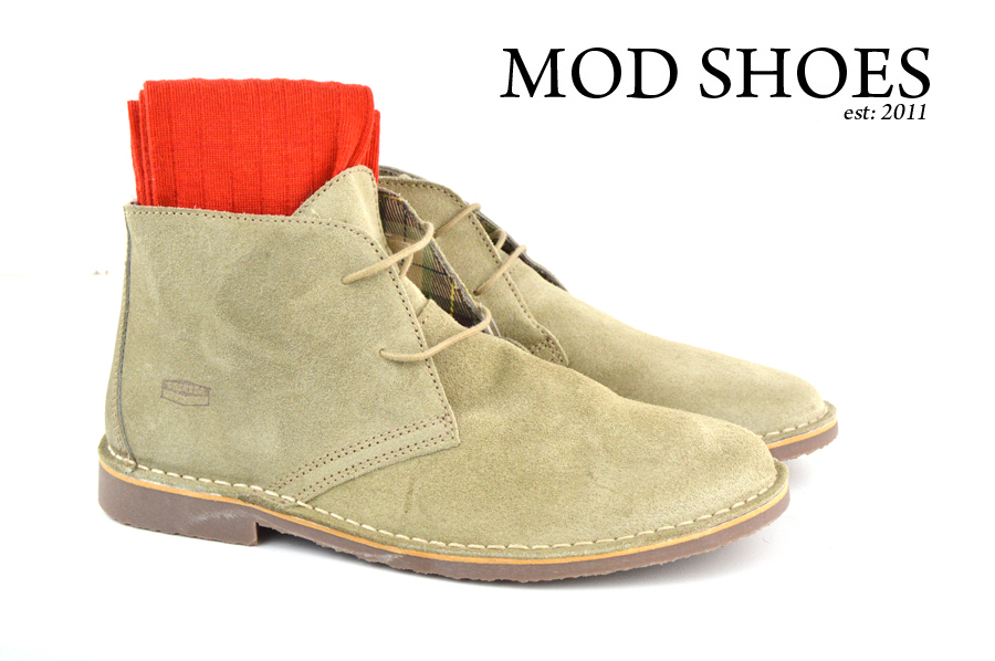 Mod Shoe Stone Desert Boots With Red Socks
