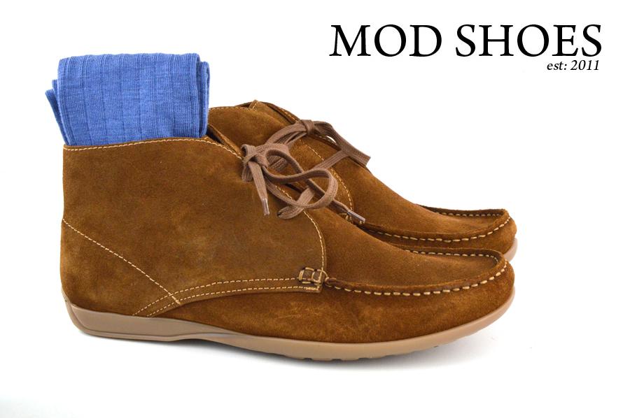 Mod Shoes Ellis Dark Brown Boots with blue socks