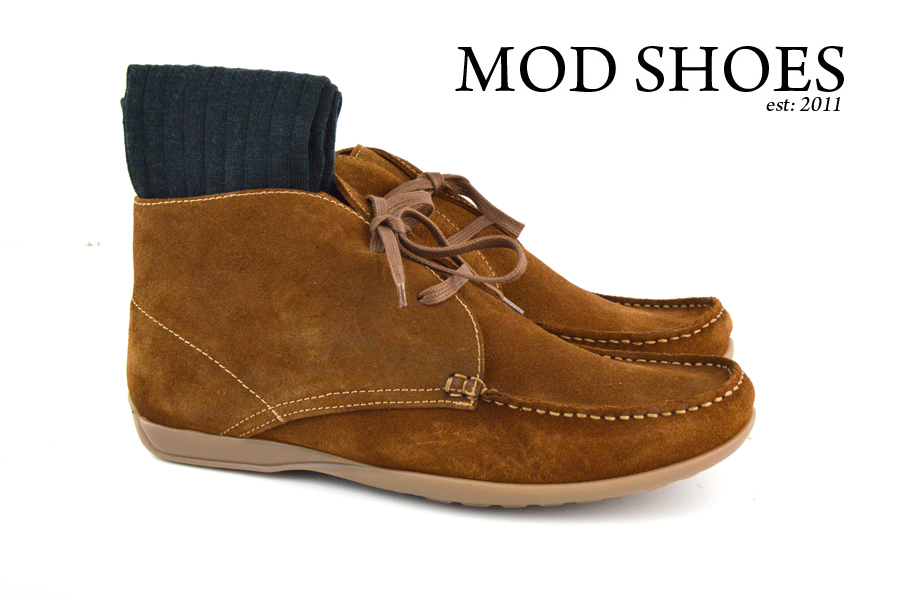 Mod Shoes Ellis Dark Brown Boots with dark green socks