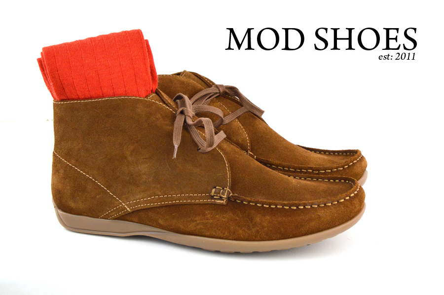 Mod Shoes Ellis Dark Brown Boots with red socks