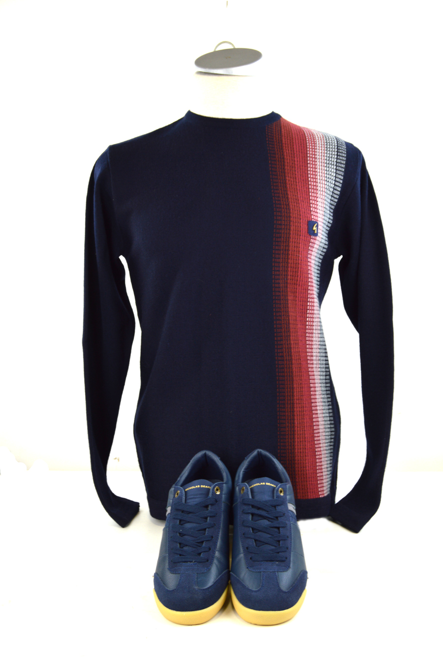 02 mod-shoes-blue-trainers-with-gabicci-top