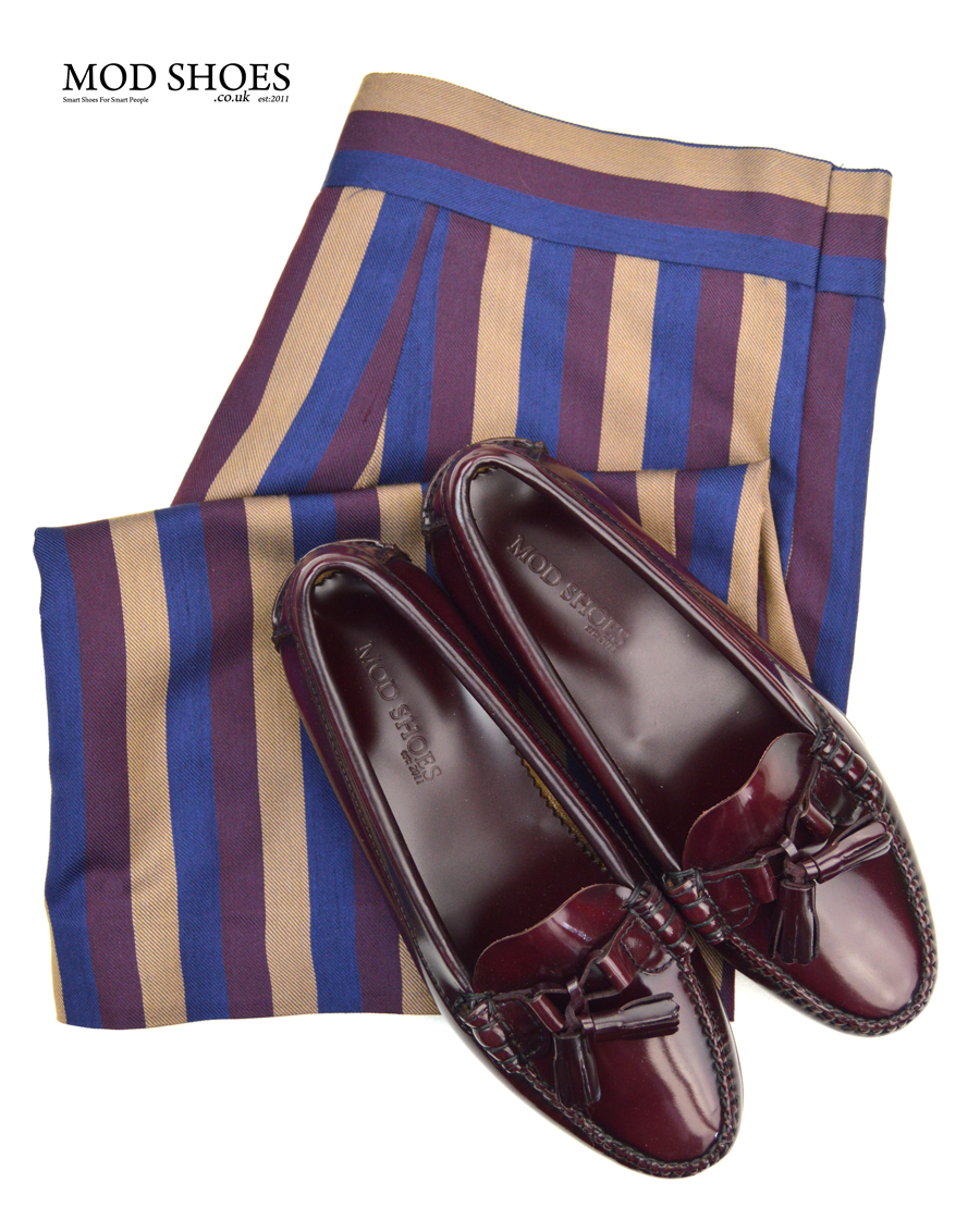 modshoes-ladies-tassel-loafers-with-striped-vintage-skirt-02