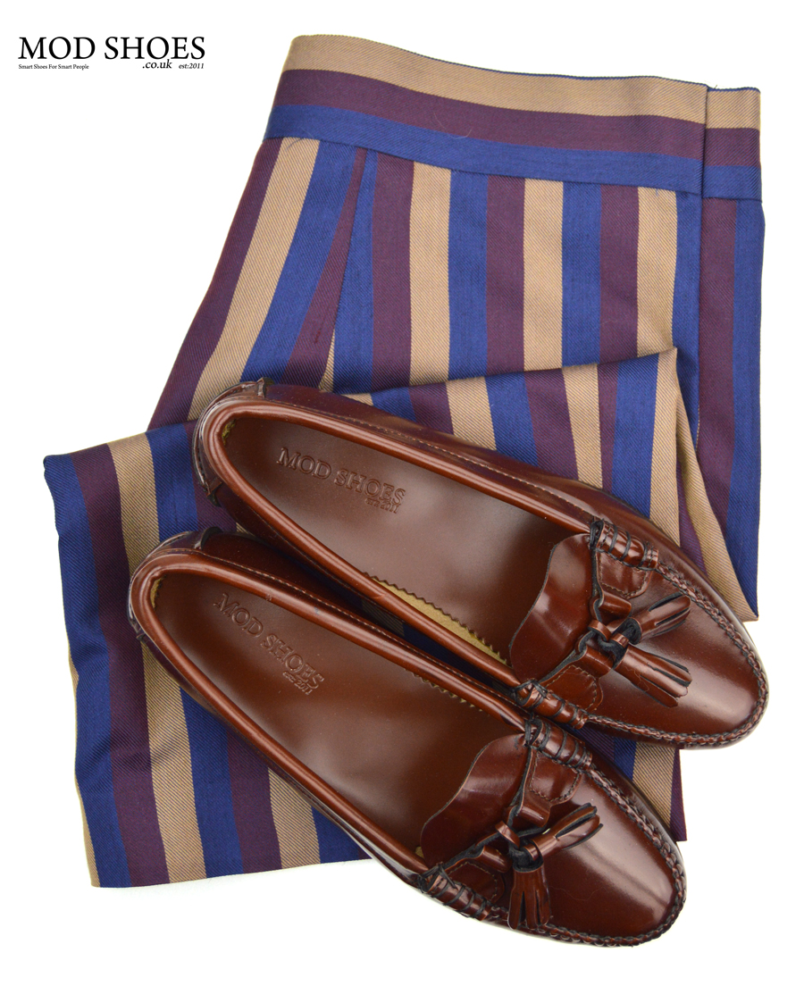 modshoes-ladies-tassel-loafers-with-striped-vintage-skirt