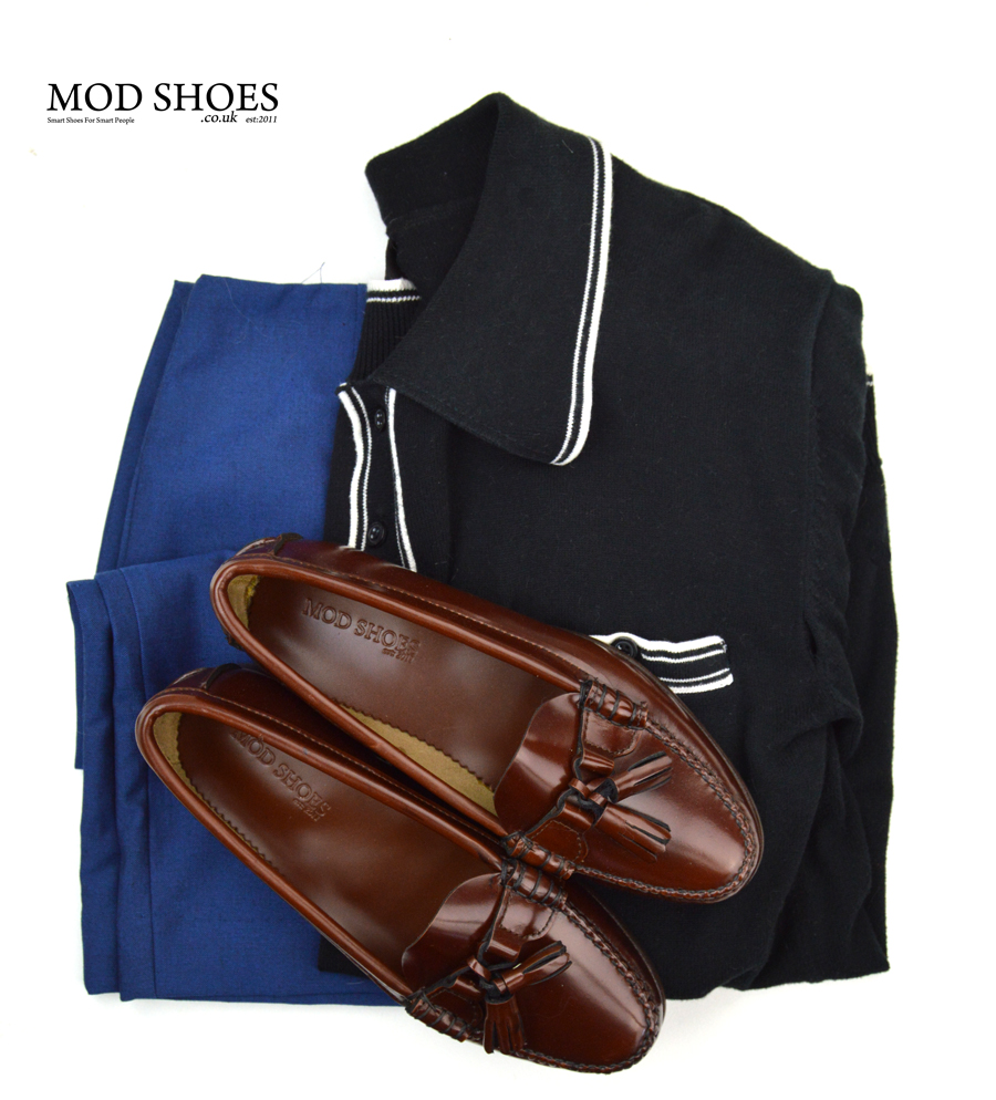 modshoes-tassel-loafers-labelles-with-blue-skirt-and-retro-top