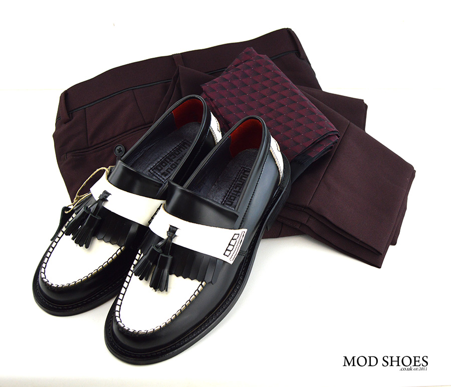 mod-shoes-black-white-tassel-loafers-with-burgundy-trousers