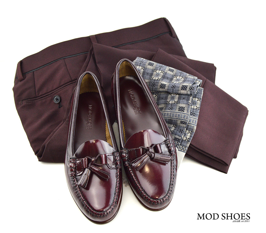 mod-shoes-ladies-tassel-loafers-with-burgundy-trousers