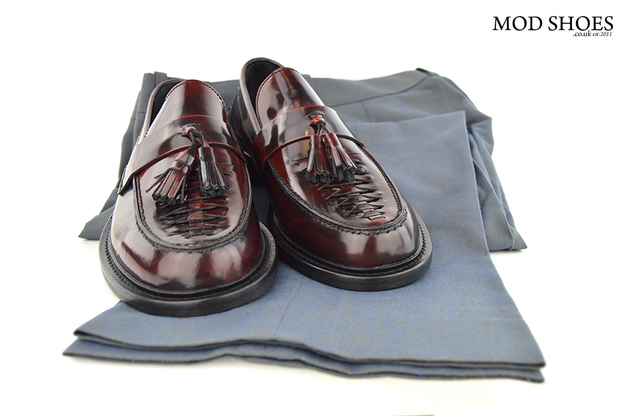 mod-shoes-oxblood-tassel-loafers-with-two-tone-trousers