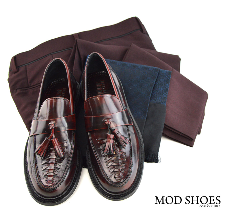 mod-shoes-weaver-tassel-loafers-with-burgundy-trousers