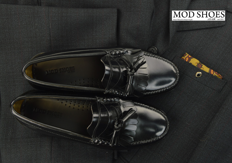 modshoes-black-tassel-loafers-with-mod-suit