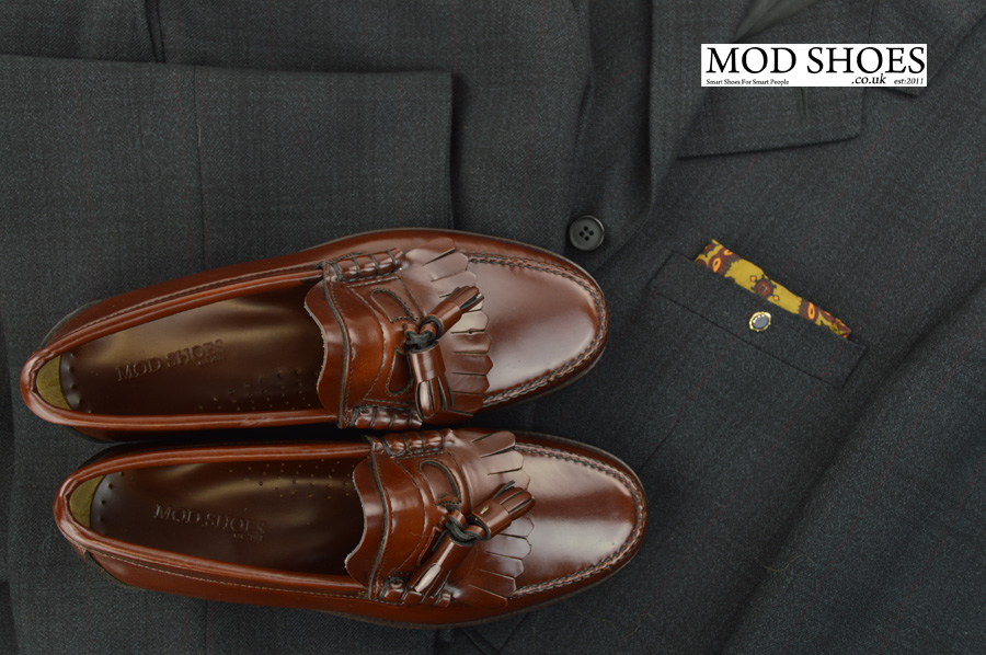 modshoes-chestnut-tassel-loafer-the-dukes-with-mod-suit