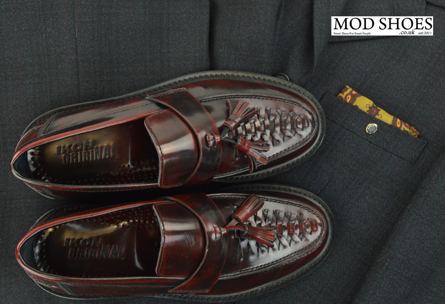 modshoes-oxblood-weaver-tassel-loafers-with-mod-suit