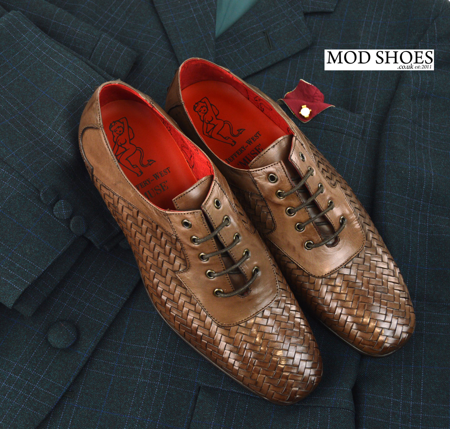 modshoes-weavers-with-mod-suit-01