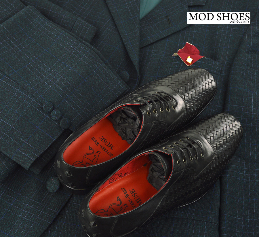 modshoes-weavers-with-mod-suit-02
