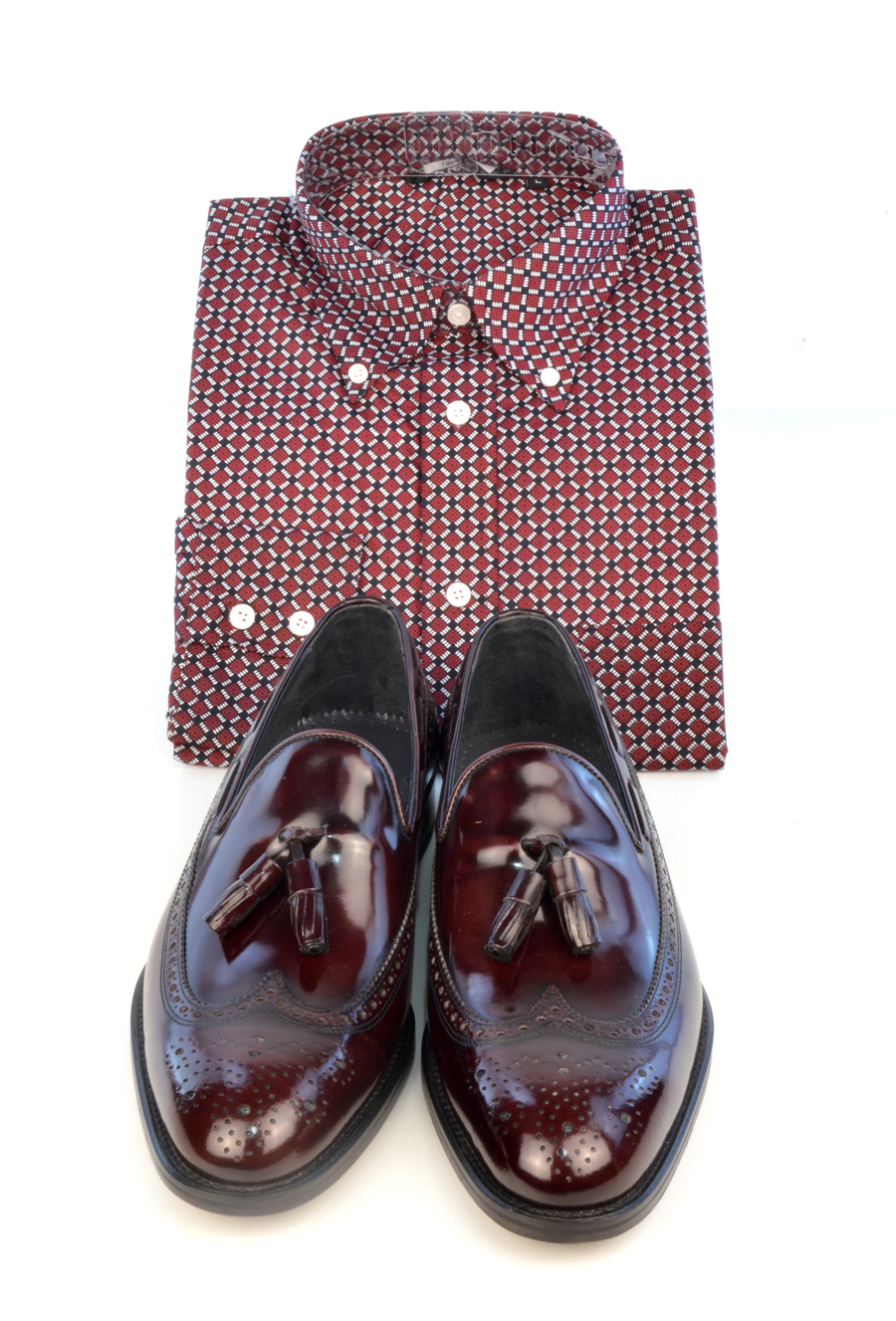 modshoes-beckley-oxblood-tassel-loafers-with-pattern-shirt