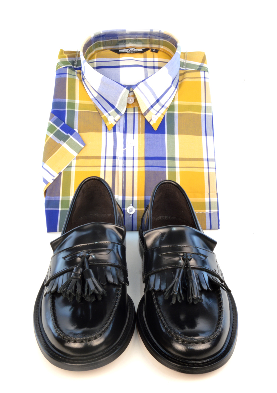 modshoes-black-prince-tassel-loafers-with-yellow-check-shirt