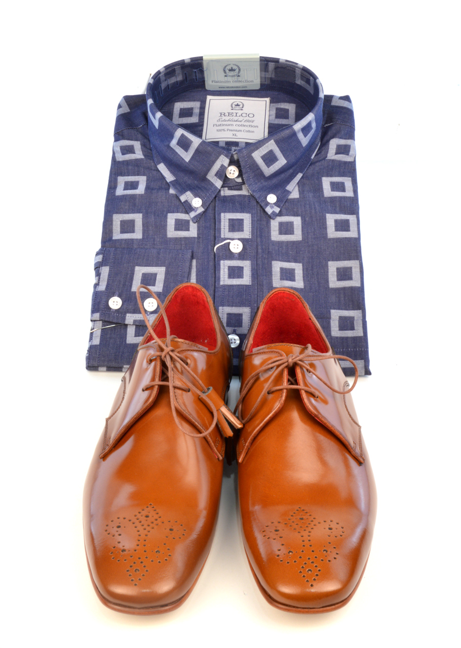 modshoes-jw-honey-with-blue-shirt