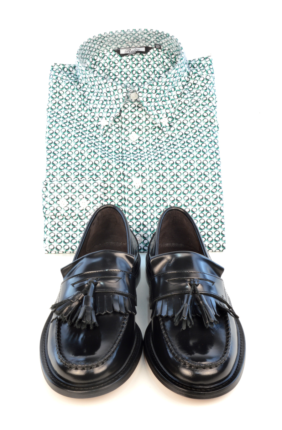 modshoes-prince-black-tassel-loafers-with-green-pattern-shirt
