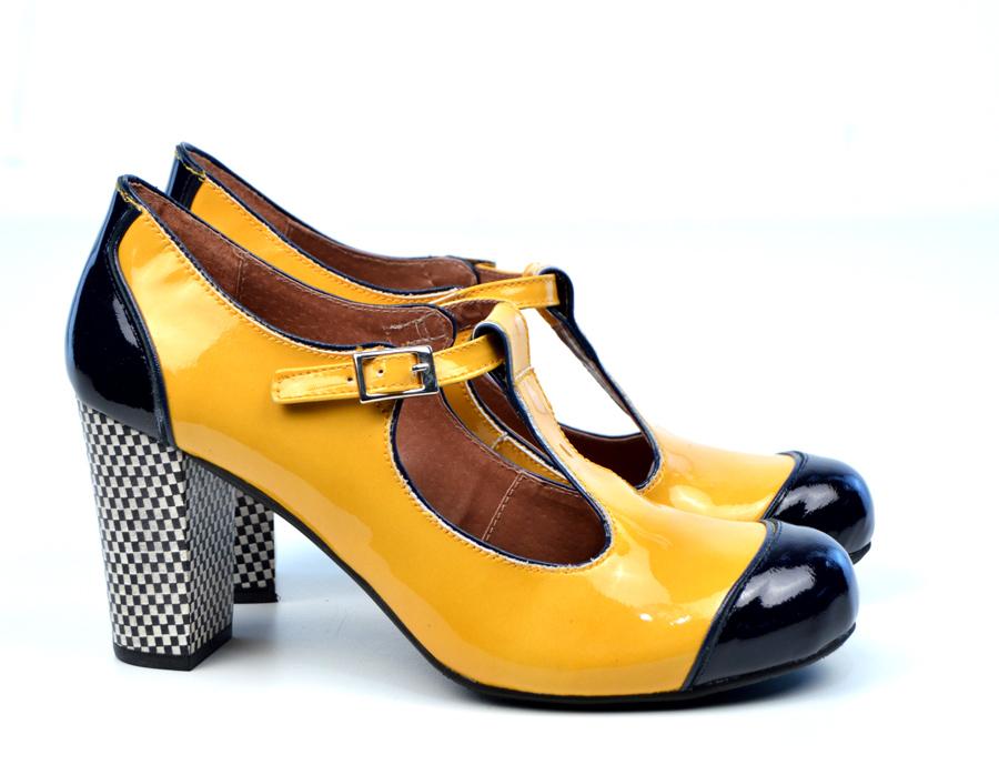 Ladies Yellow Patent Shoes