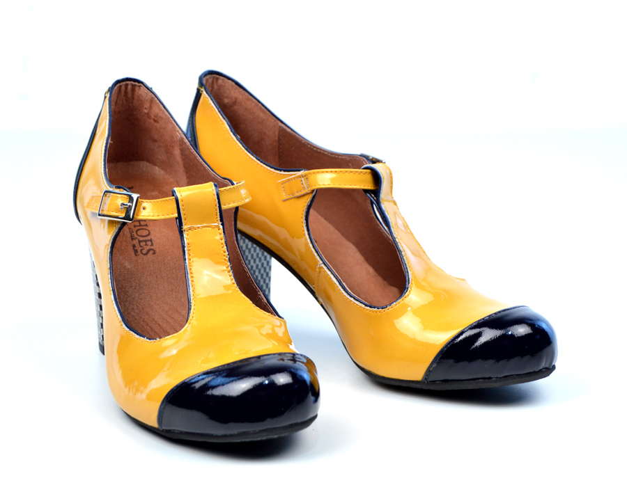 Vintage Yellow Shoes 29