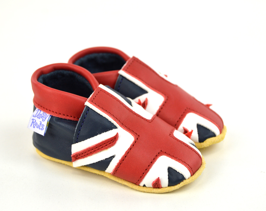 Outfit your child in Union Jack baby clothes from Zazzle. Select your favourite designs for onesies, bibs, bodysuits and more. Order yours today!