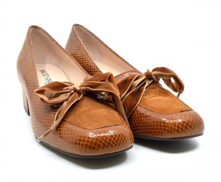 modshoes-ladies-vintage-retro-style-60s-shoes-The-Nina-in-Salted-Caramel-10