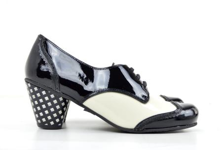 modshoes-black-and-white-sally-01