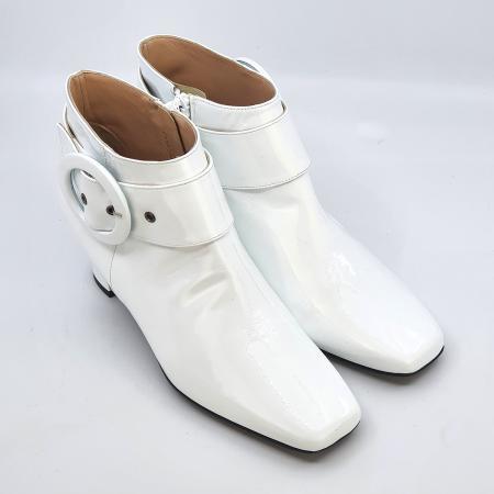 modshoes-the-nancy-in-white-ladies-vintage-retro-boots-02