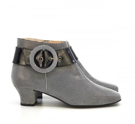 modshoes-the-nancy-in-houndstooth-and-black-ladies-vintage-retro-boots-04