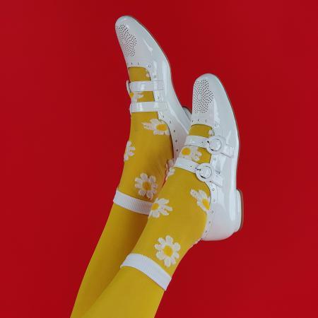 modshoes-daisy-flower-mod-60s-style-sheer-socks-05