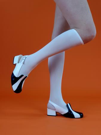 modshoes-ladies-knee-high-white-socks-60s-70s-style-ladies-03