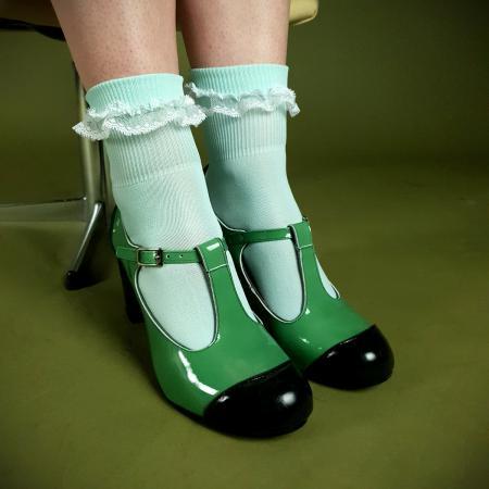 1modshoes-black-or-mint-socks-03