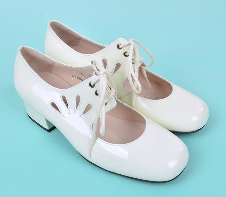 modshoes-ladies-vintage-style-shoes-the-marianne-in-vanilla