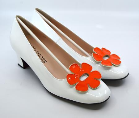 modshoes-the-fleur-orange-white--flower-retro-vintage-60-style-ladies-shoes-01