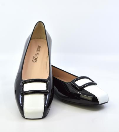 modshoes-ladies-60s-style-flat-shoes-black-and-white-leather-03
