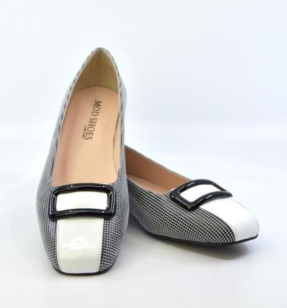 modshoes-ladies-60s-style-flat-shoes-houndstooth-and-white-leather-01